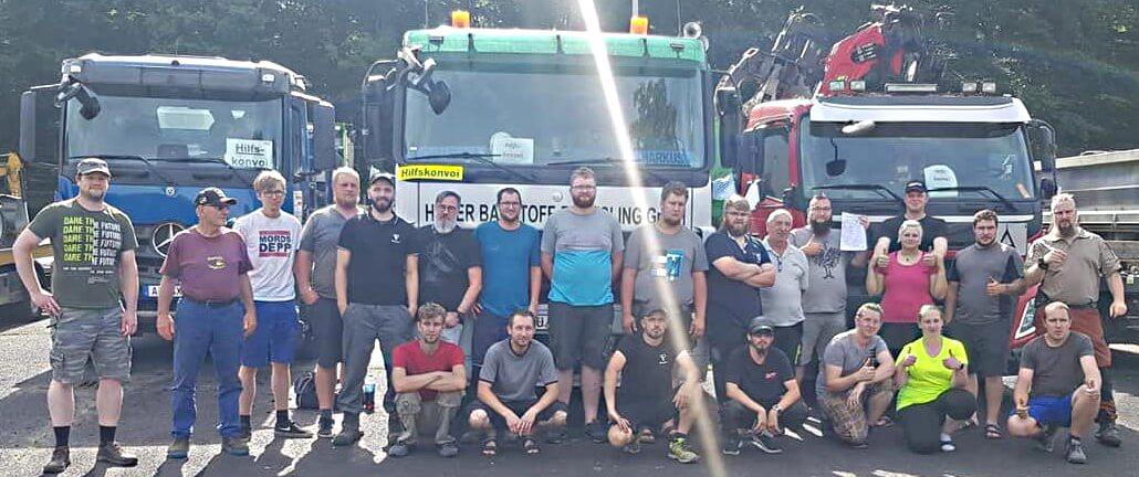 """Privatinitiative """"Bayernfreunde mit Herz"""" hilft mit schwerem Gerät und in Kooperation mit WirHelfen bei Aufräumarbeiten in Hochwassergebieten in NRW"""